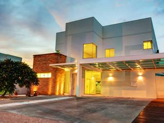 Renato Lincoln - Studio de Arquitetura Moderne Häuser