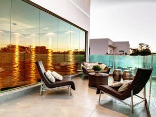 Renato Lincoln - Studio de Arquitetura Hiên, sân thượng phong cách hiện đại