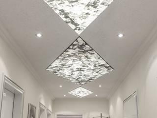 Spanndecken:  Flur & Diele von Kunstwerkstätten Malerbetrieb Kelleter GmbH