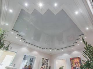 Spanndecken:  Wohnzimmer von Kunstwerkstätten Malerbetrieb Kelleter GmbH