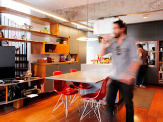Modern dining room by Mínima arquitetura e urbanismo Modern
