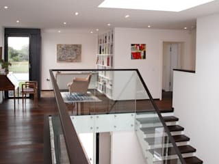 Radlett house 現代風玄關、走廊與階梯 根據 Nicolas Tye Architects 現代風
