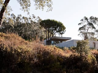 Casa em Pedrogão: Casas minimalistas por Phyd Arquitectura
