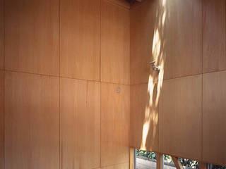 industry in a forest ミニマルスタイルの 寝室 の 瀧浩明建築計画事務所/studio blank ミニマル