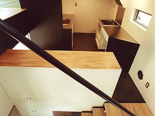 skipped minimum Minimalist corridor, hallway & stairs by 瀧浩明建築計画事務所/studio blank Minimalist