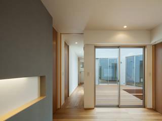HOUSE IN SHIRATAKE モダンな 窓&ドア の J.HOUSE ARCHITECT AND ASSOCIATES モダン