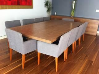 Mesa comedor:  de estilo  por Farré Muebles