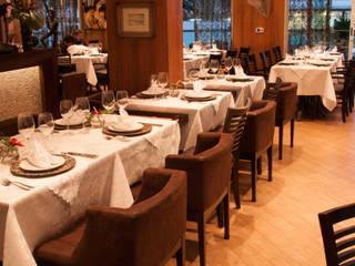 Gastronomía de estilo ecléctico de Luine Ardigó Arquitetura Ecléctico
