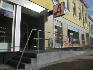Zugang Apotheke:  Geschäftsräume & Stores von AR-GE Schackl