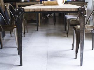 """Table """"Hit"""" par fe26 Rustique"""