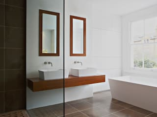 Dalebury Road, Bathroom: modern Bathroom by BLA Architects