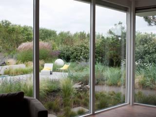 Dune garden Katwijk Holland Andrew van Egmond (ontwerp van tuin en landschap) Jardines de estilo moderno