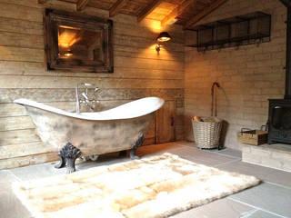 Fletcher's Cottage Bathroom من Aitken Turnbull Architects ريفي