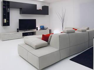 Deca House: Soggiorno in stile in stile Minimalista di ATRE HOME