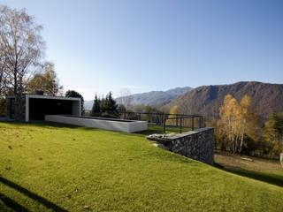 Casas modernas por PRR Architetti - Stefano Rigoni Sara Pivetta Stefania Restelli Moderno