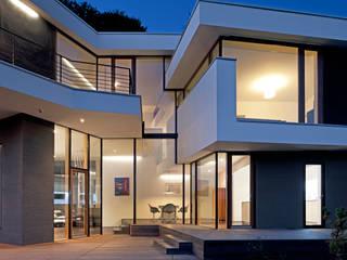 Aussenterrasse und Fassade Moderne Häuser von Kauffmann Theilig & Partner, Freie Architekten BDA Modern