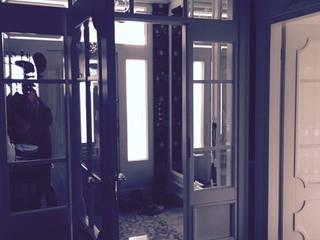 Dom 450 m 2 Dziekanów leśny livinghome wnętrza Katarzyna Sybilska Klasyczny korytarz, przedpokój i schody
