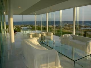 ガラス建築: 近藤博史建築設計事務所が手掛けた窓です。