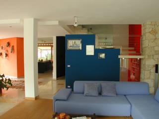 STUDIO DI ARCHITETTURA ZANONI ASSOCIATI Modern living room