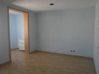 Piso en Las Ramblas Dormitorios de estilo moderno de Amplix Group Moderno