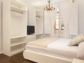 Piso en el Borne - clásico y pastel Dormitorios de estilo clásico de Amplix Group Clásico