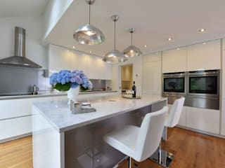 Tony & Lisa's Kitchen Modern kitchen by Diane Berry Kitchens Modern