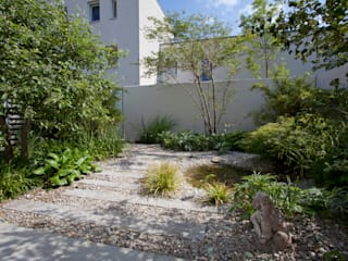 Atriumgarten München Riem Blumen & Gärten Moderner Garten