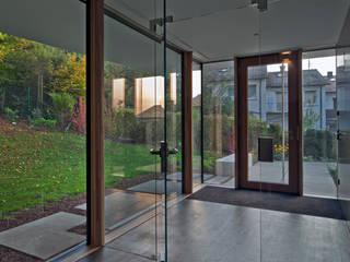Zugangsbereich Moderner Flur, Diele & Treppenhaus von Kauffmann Theilig & Partner, Freie Architekten BDA Modern