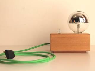 Jet Lamp Chrome di altraforma360 Minimalista