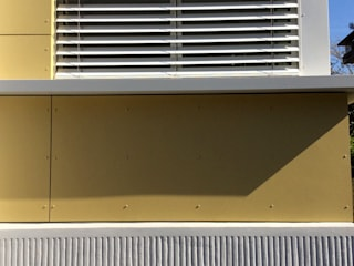 Extension Bois au Plessis Robinson -92350 Fenêtres & Portes originales par B. MOTTUEL - Architecte dplg Éclectique