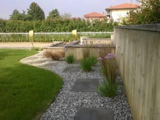 giardino privato: Giardino in stile in stile Eclettico di giardini di lucrezia