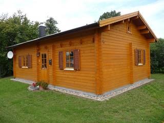 บ้านและที่อยู่อาศัย โดย Betana Blockhaus GmbH,
