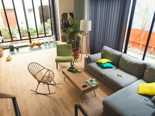 Livings modernos: Ideas, imágenes y decoración de Lise Compain Moderno