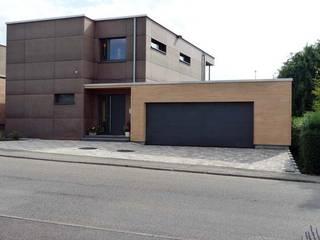 Architekturbüro Arndt Modern garage/shed