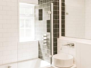 Family Bathroom: scandinavian Bathroom by Klas Hyllen Architects
