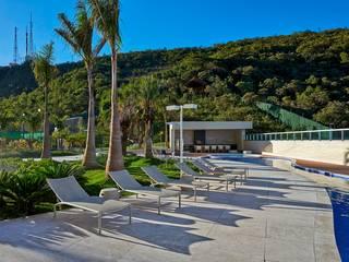 Modern pool by Alessandra Contigli Arquitetura e Interiores Modern