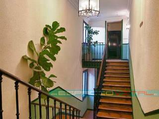 Pasillos, vestíbulos y escaleras asiáticos de Javier Zamorano Cruz Asiático