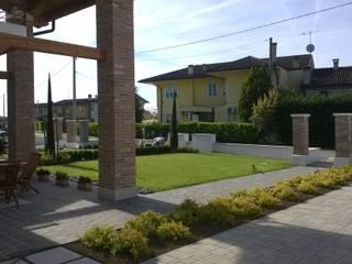 giardino privato:  in stile  di giardini di lucrezia
