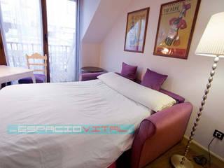 Dormitorios de estilo  por Javier Zamorano Cruz, Clásico