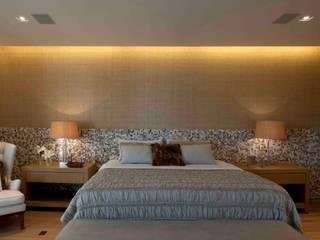 Deborah Roig Modern style bedroom