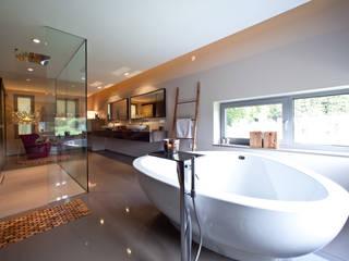 Traumbad mit Ambiente: moderne Badezimmer von Marmor Radermacher