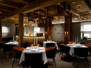 Gastronomía de estilo industrial de Pracownia Architektury Cechownia Industrial