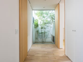玄関: H建築スタジオが手掛けたホテルです。
