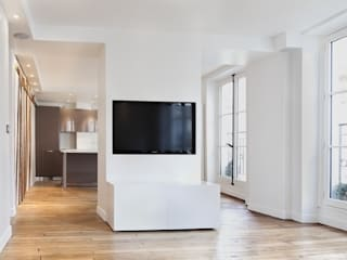 Appartement St Michel Paris: Maisons de style  par VAFADARI ARCHITECTE
