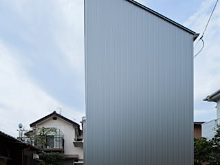 Long Window House Casas eclécticas de another APARTMENT LTD. / アナザーアパートメント Ecléctico