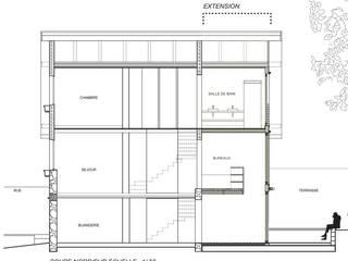 Coupe transversale:  de style  par Atelier d'architecture Bm²