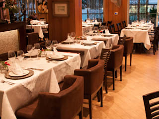 Gastronomía de estilo moderno de Luine Ardigó Arquitetura Moderno