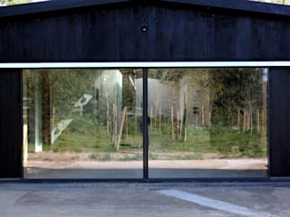 Basing Farm Modern windows & doors by IQ Glass UK Modern