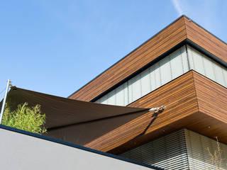 Ökologisches Massivholzhaus: moderne Häuser von massive passive