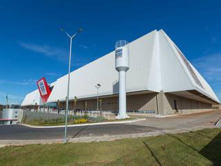 Centro de Distribuição Pague Menos Espaços comerciais modernos por LDBW – Luiz Deusdara Building Workshop Moderno